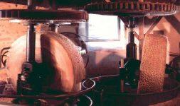 Moulin du Got à St-Léonard-de-Noblat (Haute Vienne) : Le dernier témoin de la longue tradition papetière du limousin renaît de ses cendres
