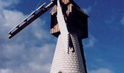 Les maquettistes de moulins à Lodève (Hérault)