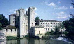 Des Moulins fortifiés en Aquitaine
