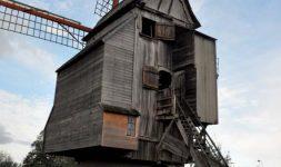 Moulin Deschodt et exposition Joseph Dezitter à la Médiathèque à Wormhout