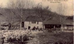 Histoire des moulins et de l'extraction de la pierre meulière en Pays dommois (Dordogne)
