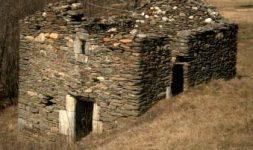 Hautes Cévennes : Un chantier patrimoine s'attelle au Moulin des Fournels