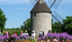 """Lot-et-Garonne : Le Moulin à Vent de Beaugas, dit """"le Moulin des trois moulins"""""""