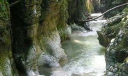 Les Gorges du Sierroz, l'invitation au voyage (Savoie)