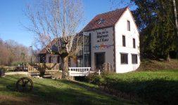 Le Moulin Gentil  à Neuvy-sur-Barangeon (Cher)