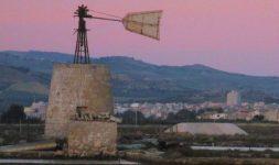 Italie : Des moulins en Sicile, au printemps 2017