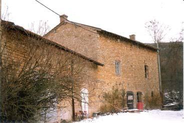 Bâtiment où se trouvait un moulin à plâtre, il a été transformé en habitation. Photo DR.