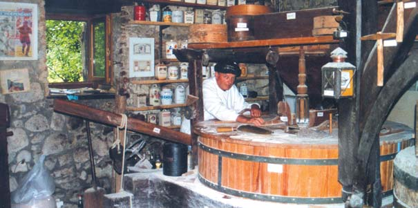 intérieur du moulin - photo André Duval