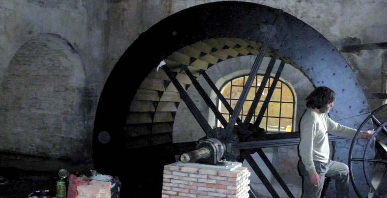 Essais pour la roue nouvellement installée (soufflet) sur le site de Dommartin. Photo Elisabeth Robert-Dehault