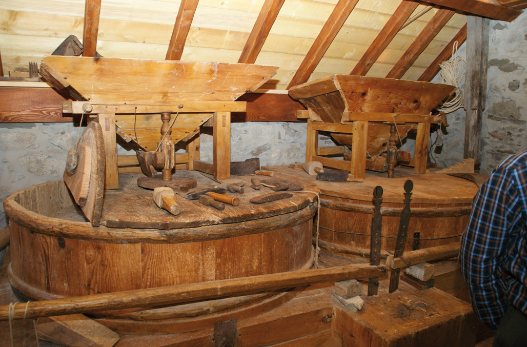 Intérieur du moulin de Mendagne à Sainte Marie de Campan