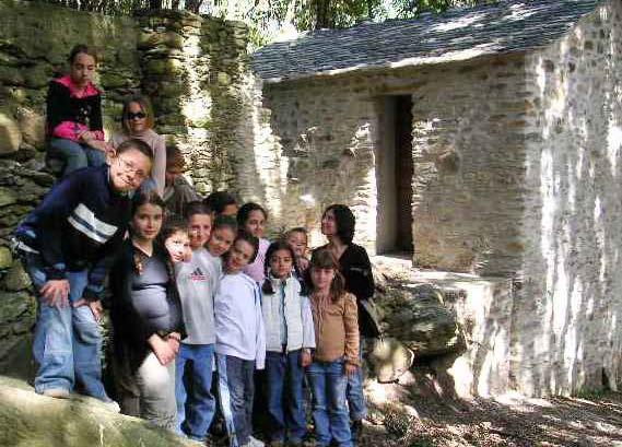 Classes au moulin. Photo Association Conte-Moi le Pays de Comminges et du Nébouzan.