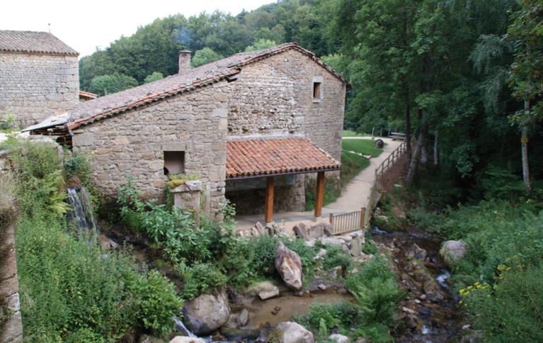 Moulin des Massons (St Bonnet le Coureau - 42). Photo Charpentier.