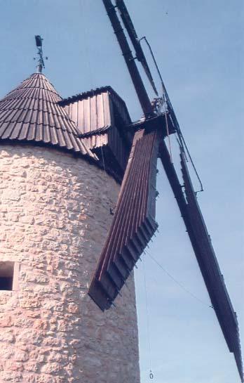Moulin de Moussaron à Condom (Gers). On remarque en bas de la photo le petit anneau qui permet de commander l'ouverture photo M.Sicard