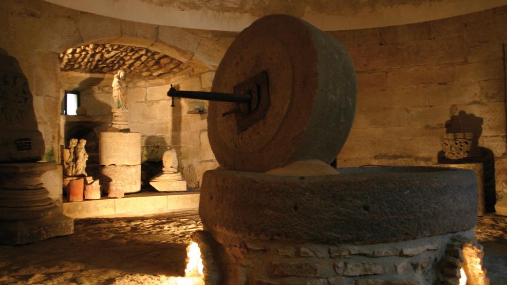 Meule de la Tour du Moulin, Sous-sol, Photo A. Allier