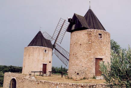 Moulins de Régusse - photo D.Charpentier