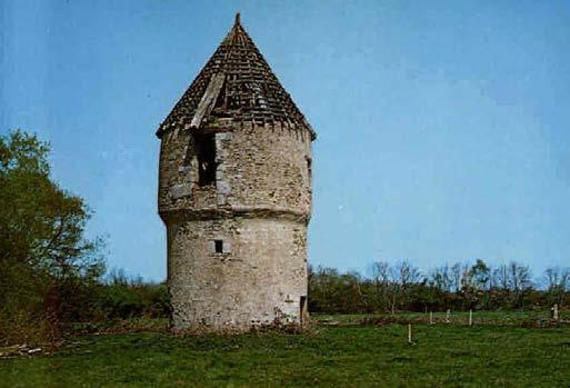 Le moulin de Foucré stade 1 avant rénovation. Photo www.notredamedeslandes.fr