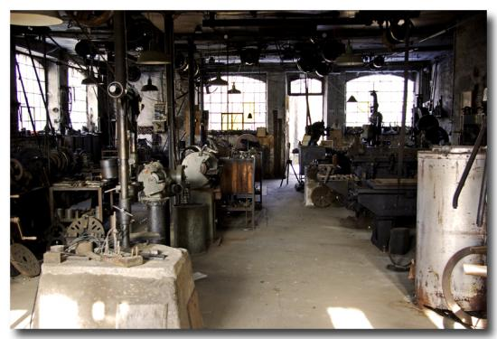 Atelier mécanique. photo. www.petit-patrimoine.com