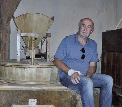Alain Graves dans son moulin. Photo : Pierre Brau-Arnauty