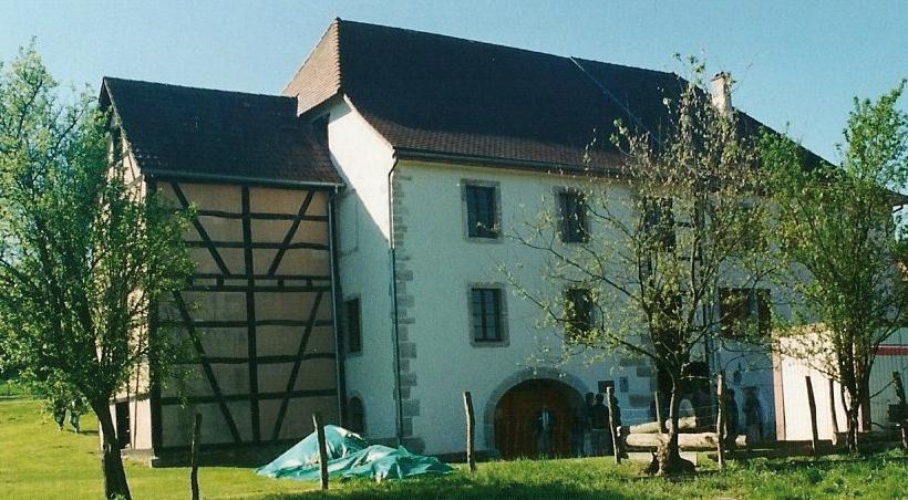 L'entrée du moulin. Photo Jean-Marie Jacquel