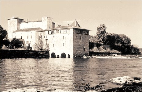 Moulin de Lustrac. photo mariefb.pagesperso-orange.fr