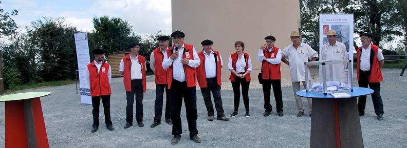 Le président Charry et l'équipe de bénévoles - Photo Mazouin