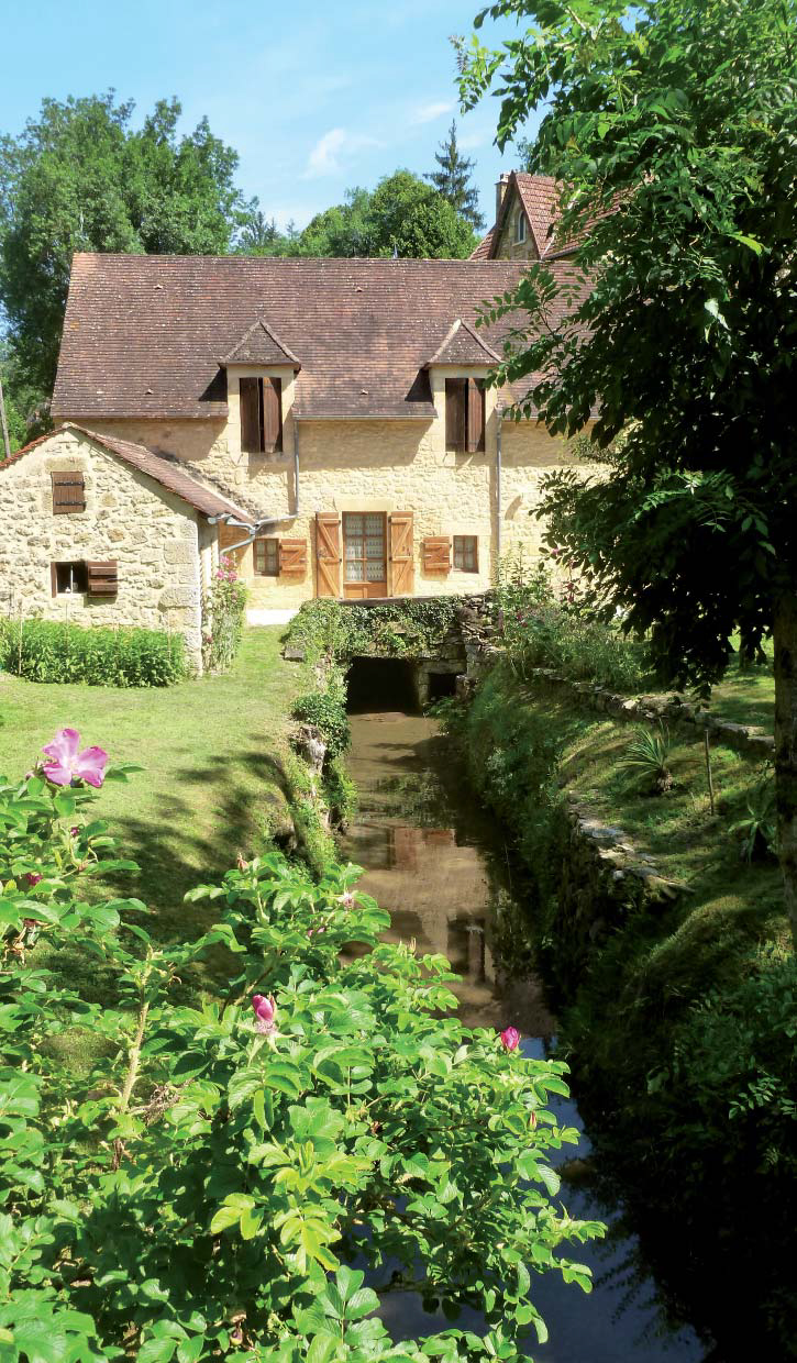 Le moulin en 2012, canal de fuite. Photo A. Perrier