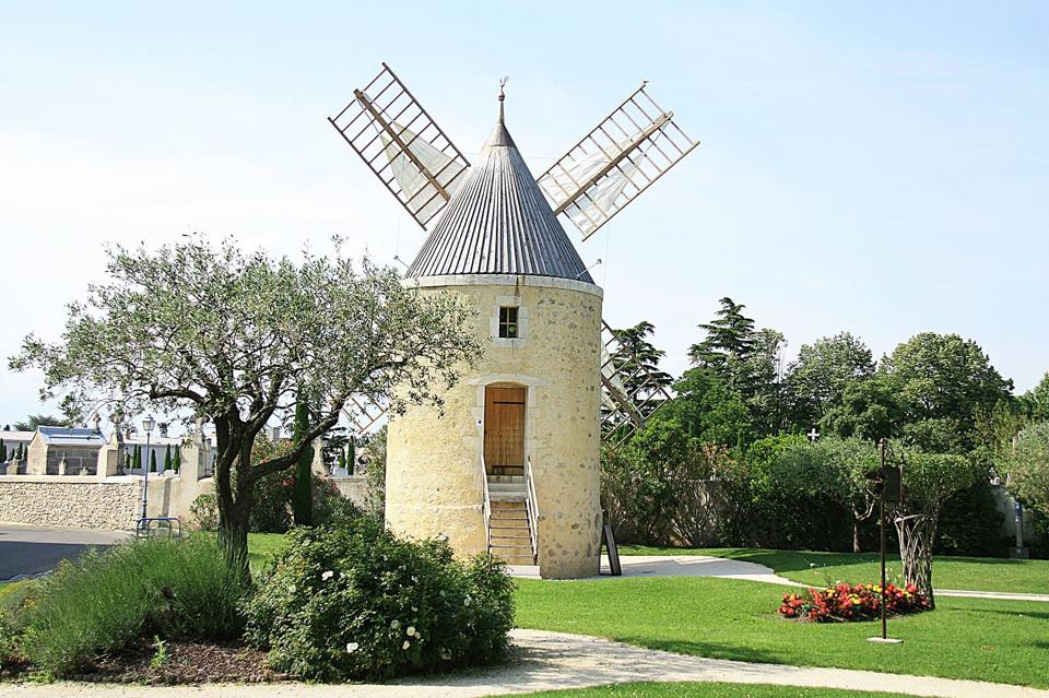 Moulin de Pierrelatte - photo www.facebook.comLesAilesDuMoulin