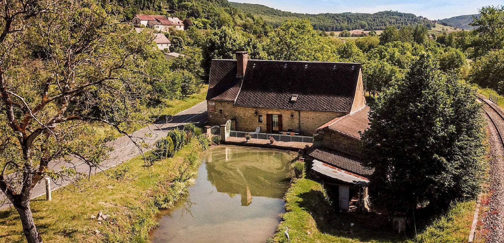 """Le Moulin de l'Évêque à Vézac (Dordogne) - Cliché  """"RECOWEB"""""""