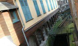 La restauration du Moulin Passe-Avant à Amiens. La Vierge et le moulin