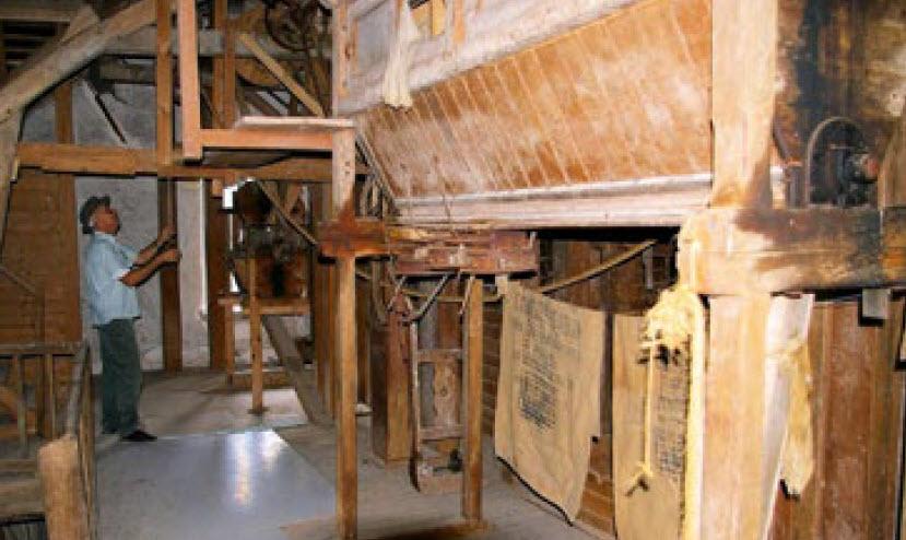 Salle du blutoir au Petit Moulin de la Grange